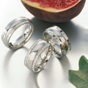 Wedding rings white gold